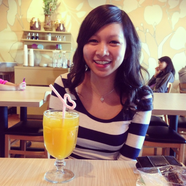 Vyvacious || Christina and her tea at Milk & Honey Cafe