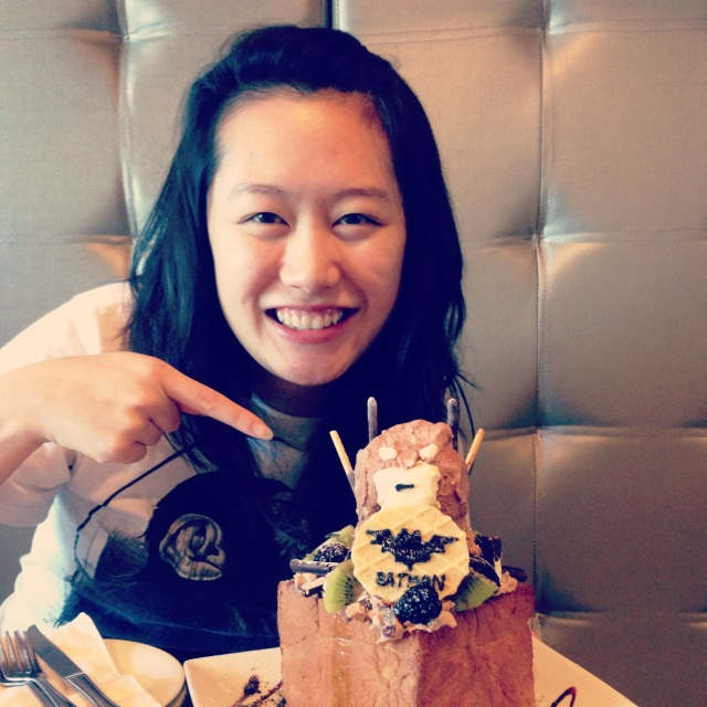 Vyvacious || Freaking awesome photo with me and the Batman Honey Toast :)