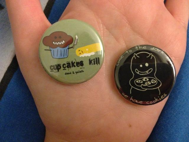 Vyvacious || Cupcake pins